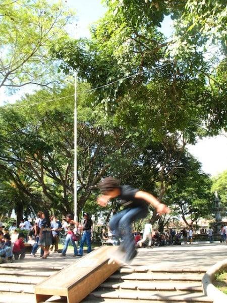 7skateboarding_in_la_antigua_gu