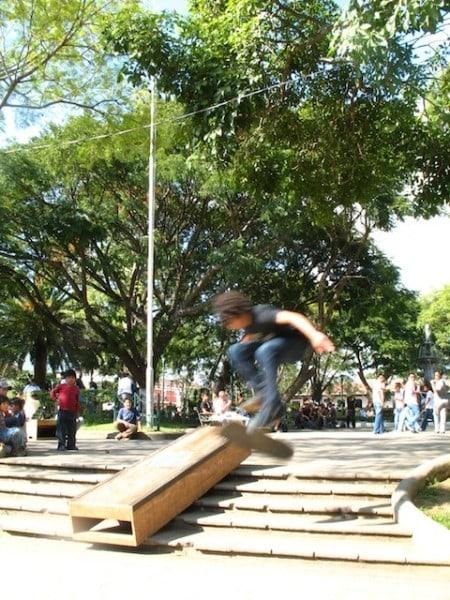 8skateboarding_in_la_antigua_gu