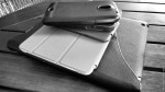 el primero que revise su dispositi vo móvil paga la cuenta. photo by Rudy Giron, get a print at http://photos.rudygiron.com