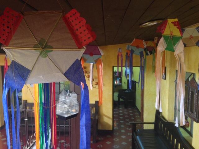 barriletes cómo decoración de temporada by Rudy Giron