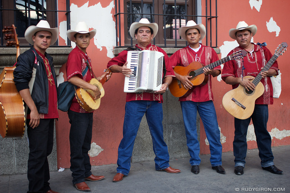 Rudy Giron: AntiguaDailyPhoto.com &emdash; Street Portrait of Nicaraguan Group Tapacali