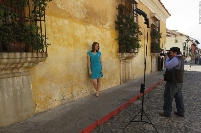 #BTS of Artistic Senior Photo Session in Antigua Guatemala by Rudy Giron Photography