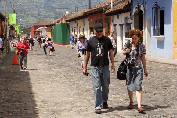 Rudy Giron: Antigua Guatemala &emdash; Antigua Photo Walk with Foundry Photojournalism Workshop Students
