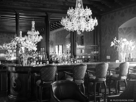 Rudy Giron: Antigua Guatemala &emdash; Martini bar in Antigua Guatemala BW